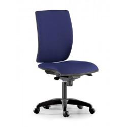 Silla de oficina pop syncro, respaldo alto y asiento regulable en altura.