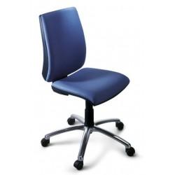 Silla de oficina new admira syncro, respaldo alto y asiento regulable en altura.