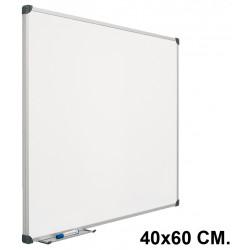 Pizarra laminada blanca con marco de aluminio planning sisplamo de 40x60 cm.
