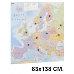 Mapa mundi con la superficie plastificada, presentado enrollado en tubo de cartón faibo de 83x138 cm.