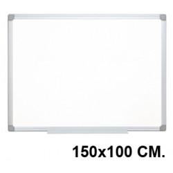 Pizarra de acero lacado blanco con marco de aluminio q-connect en formato 150x100 cm.