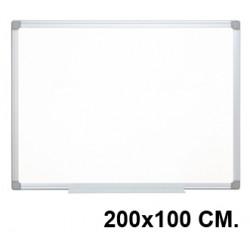 Pizarra de acero lacado blanco con marco de aluminio q-connect en formato 200x100 cm.