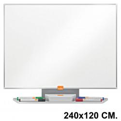 Pizarra de acero vitrificado blanco con marco de aluminio nobo classic en formato 240x120 cm.