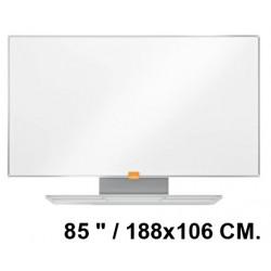 "Pizarra de acero vitrificado blanco con marco de aluminio nobo nano clean en formato panorámico 85 "" / 188x106 cm."