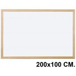Pizarra laminada blanca con marco de madera de pino q-connect en formato 200x100 cm.