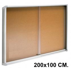 Vitrina de anuncios con fondo de corcho natural y marco de aluminio q-connect en formato 200x100 cm.
