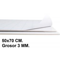 Cartón pluma adhesivo 1 cara liderpapel en formato 50x70 cm. con grosor de 3 mm. color blanco.