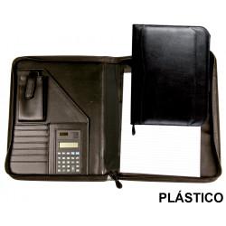Carpeta portafolios en plástico csp en formato din a-4, bloc de notas, calculadora, cierre con cremallera, color negro.