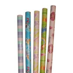 Rollo de papel de regalo novaplus surtido todo año de 0,7 mts. de ancho x 2 mts. de largo.