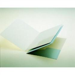 Dossier de presentación en cartulina eurokote con un bolsillo interior en din a-4 de color blanco.