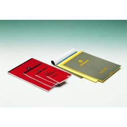 Block de notas uniextra cubierta roja en folio liso de 80 hojas.